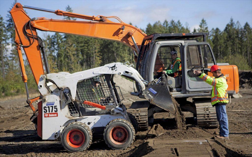 Някой от машините използвани при управлението на пътно строителни машини